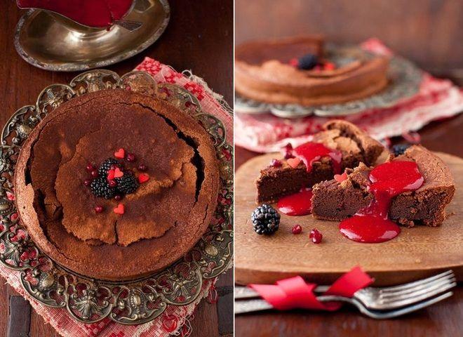 Шоколадный торт с ягодным соусом, ссылка на рецепт - https://recase.org/shokoladnyj-tort-s-yagodnym-sousom/  #Выпечка #блюдо #кухня #пища #рецепты #кулинария #еда #блюда #food #cook