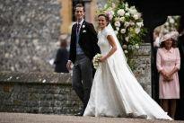 Pippa Middleton Wedding, Gorgeous Wedding Dress by Giles Deacon See more at: https://olagiatogamo.gr/diasimoi-gamoi/330-deite-to-entyposiako-nyfiko-tis-pippa-middleton-o-gamos-tis-fotografies.html