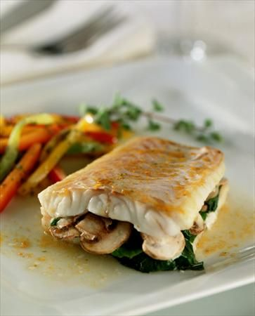 ¿Por qué no comer un rico #pescado relleno con #verduras?