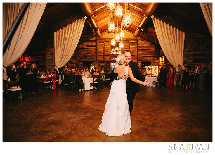 Big Sky Barn Montgomery TX Ana & Ivan Photography