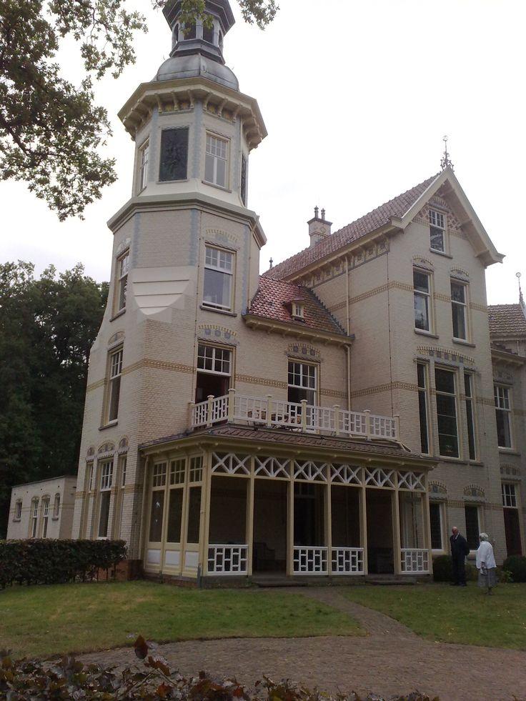 kasteel Groevenbeek Ermelo, sinds 2013 suite te huren bij natuurmonumenten.