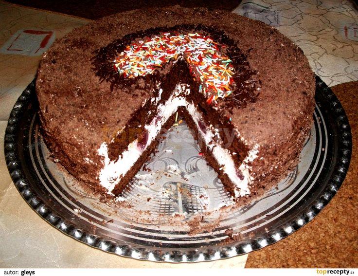 Postup – Korpus: Troubu rozehřejeme na 190°C. Vejce utřeme s cukrem. Čokoládu rozlámeme na kousky a rozpustíme ve vodní lázni se 2 lžícemi vody....