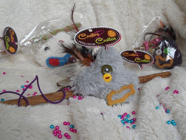 Cañitas de pescar para que no dejes de jugar con tu mininos En Bogotá tel. 3176746222 - 6087286 contactanos@gfdecoraciones.com
