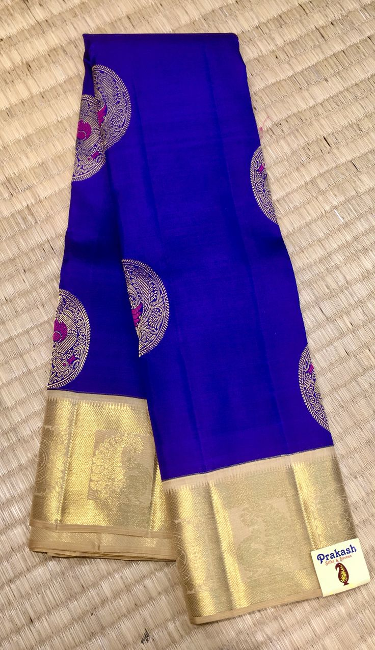 Traditional saree with new contrast from prakashsilks.