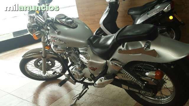 motocicleta, chooper de 125cc, de 4Tiempos,4Valvulas, en perfecto estado,cromada. ATIENDO WHATSAPP
