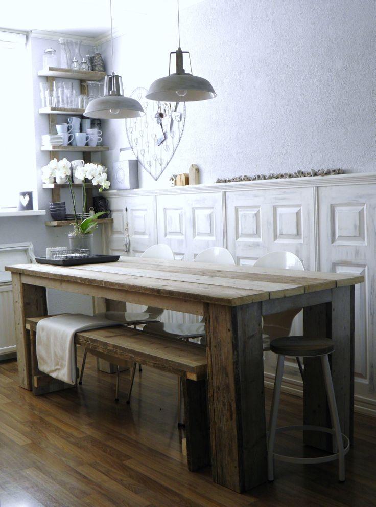 zelfgemaakte keukentafel van steigerhout