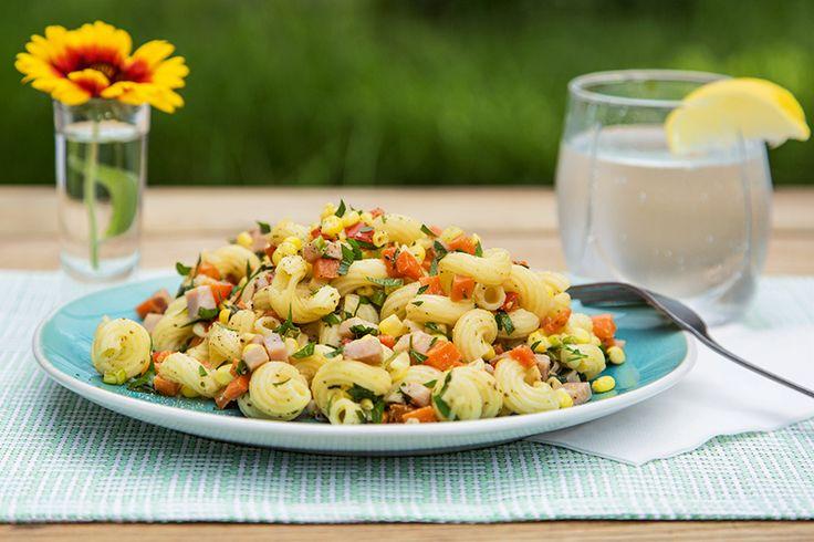 Salade de pâtes moutarde et miel au jambon et légumes