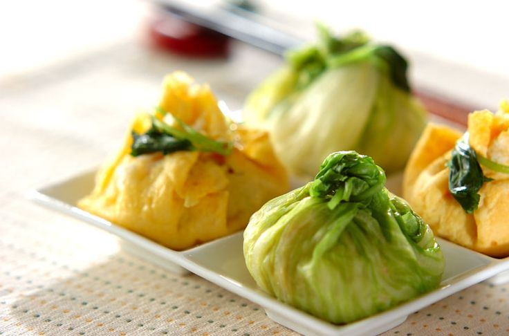 見た目もかわいいひとくちサイズのおにぎり。水っぽくならないように注意。2種類の茶巾おにぎり/西川 綾のレシピ。[和食/ご飯もの(寿司、ご飯、どんぶり)]2014.09.29公開のレシピです。
