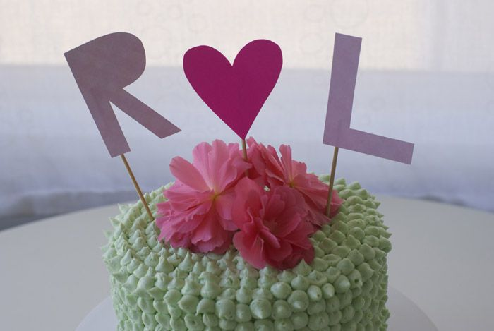 Poppytalk: Do-it-Yourself Wedding Cake!