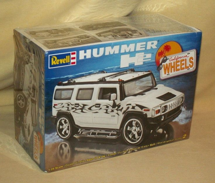 HUMMER H2 REVELL MONOGRAM CALIFORNIA WHEEL MODEL CAR KIT NEW 2005 WHITE BLACK. #Revell
