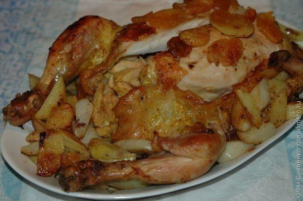 Ароматная курица, запеченная с курагой и яблоками. Вкуснее, чем в изысканном ресторане! - life4women.ru