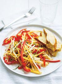 Salade de mangues vertes et poulet au cari