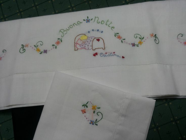 hand embroidered,с ручной вышивкой,,ricamato a mano,lenzuolino,https://www.facebook.com/lecreazionidiheidi?ref=stream ricamato a mano