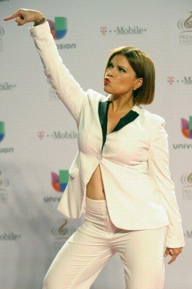 """Juan Espinoza: La gran Olga Tañon en la alfombra roja de Premio Lo Nuestro. PLN25 "" jajaja ESPECTAC"
