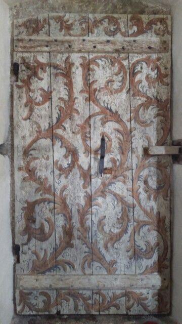 Målad dörr klinte kyrka