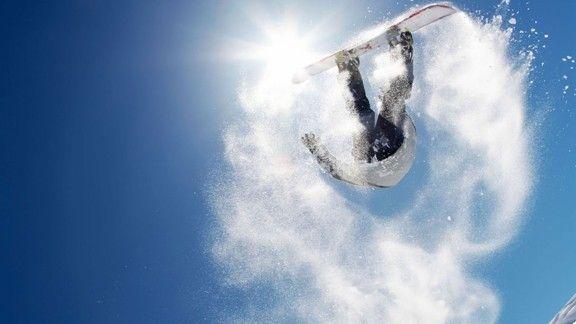 Sıçrayan Snowboard #wallpaper #snowboard #kar