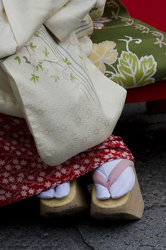 Under cherry blossoms #15 by Onihide, via Flickr