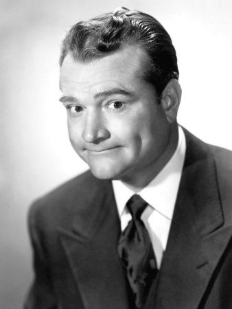 Red Skelton (1913–1997), comic, actor around funny guy of stage and film...  OH and artist! https://lh4.googleusercontent.com/-223tlJH2700/T5fWVwOZRDI/AAAAAAAAAqY/HBtC69R6M9g/Red_Skelton_1960.jpg