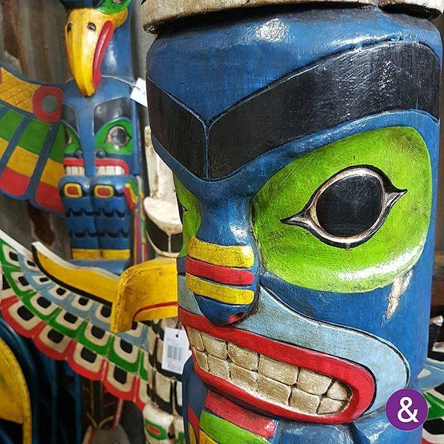 Uhg, stoere totempalen vind je bij Yape's!   Uhg, bei Yape's finden Sie coole Totempfähle!  Stoere, houten figuren bij exposant Yape's!   Coole Holzfiguren beim Aussteller Yape's.  #home #gift #garden #trendsentrade #trendstrade #b2b #wholesale #inkoopcentrum #einkaufcentrum #cashandcarry #cashundcarry #groothandel #grosshandel #yape's