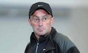 Alberto Salazar whistleblower unhappy at UK Athletics clearance • Steve Magness: Audit into Oregon project run by Mo Farah's coach too narrow • Oversight group found no evidence of wrongdoing after doping claims