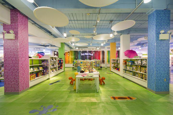 Crayola Retail Store, Easton Pennsylvania. By IDL Worldwide & Reztark Design