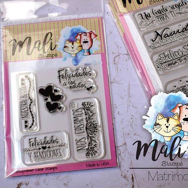 Set de sellos en español, temática matrimonio, ideal para tarjetas, recordatorios, lluvia de sobres y todo lo que desees. Disponible en @mifabricadeideas #clearstamps #sellosenespañol #sellosenespanol #scrapbooking #scrapbook #matrimonio