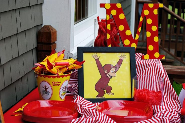 40 best images about curious george ideas on pinterest for Curious george bedroom ideas