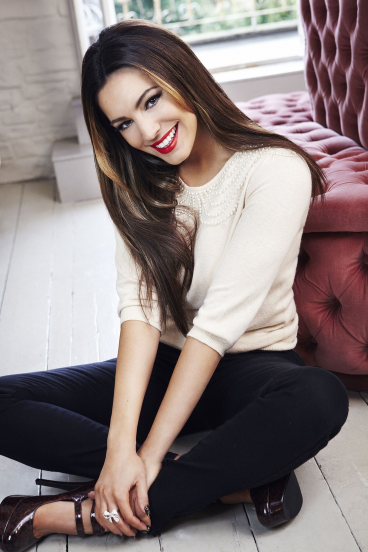 Doesn't Kelly look great in her new collection for New Look?  #NewLookFashion  #kellybrook
