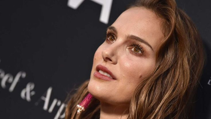 Feminist Natalie Portman Finally Asked About Signing Petition To Pardon Child Rapist Roman Polanski