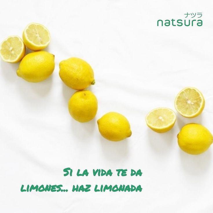 Sabías que tomarte un limón  cada mañana ayuda a la pérdida de peso? Esto se debe a que el jugo de limón es digestivo y depurativo para el hígado. Hazlo y veras los resultados!  #healthylife #salud #vidasaludable #limones #beneficioso #depurar #adelgazar #detox #vidasana #health