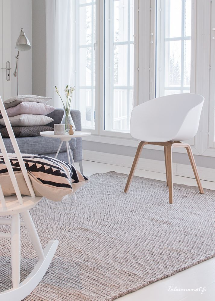 one nordic key side table | home of blogger eline of via  #benuta #teppich #interior #rugs