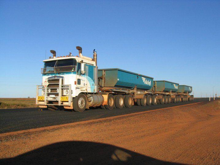 australia_road_train_blue[httprctruckjanda.cz]