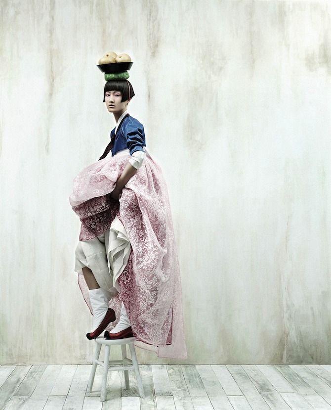Full Moon Story: Traditionnal Korean Costume (Hanbok) By Kim Kyoungsoo For Vogue Korea