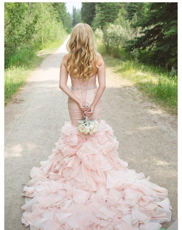 タイトでセクシーでふんわり可愛いマーメイドのカラードレスは花嫁衣装にぴったり♡マーメイドドレスまとめ一覧♡