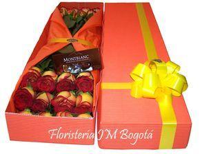 El amor no solo se muestra con rosas rojas. Hay otros hermosos colores como estas amarillas con borde rojo empacadas en una elegante caja adornada con un moño amarillo que hace juego con las rosas.   También trae una caja de chocolates y ... lo que no puede faltar, su mensaje expresando todo lo que siente su corazón.   Envíe esta bella caja de rosas a domicilio a Bogota. Caja de 24 Rosas y Caja 4 Chocolates : USD$46