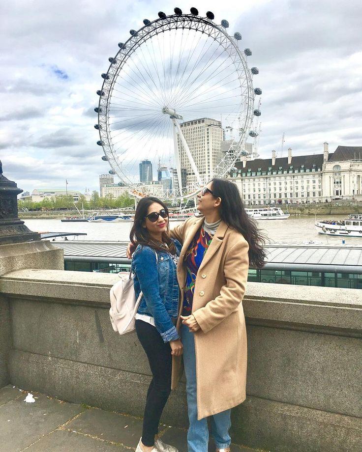 With mommy     #LondonDiaries #londoneye #londoneyepier  #springtime #springishere #purpleflare #travelbug #easterweekend #LFMTravels #delhi_igers #indianblogger #itsthelittlebigthings #photosinbetween #thatsdarling #indianbeautyblogger #bblogger #beautyblog #makeuplover #weekendfun #holidaymood #howyouglow #travelblog #wunderlusting #summerholidaysfun #brightsunnyday #sunishere #sunnydayinlondon #windinmyhair #coldsummerday #touristing