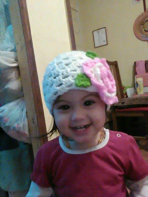 Gorro niña flor, crochet