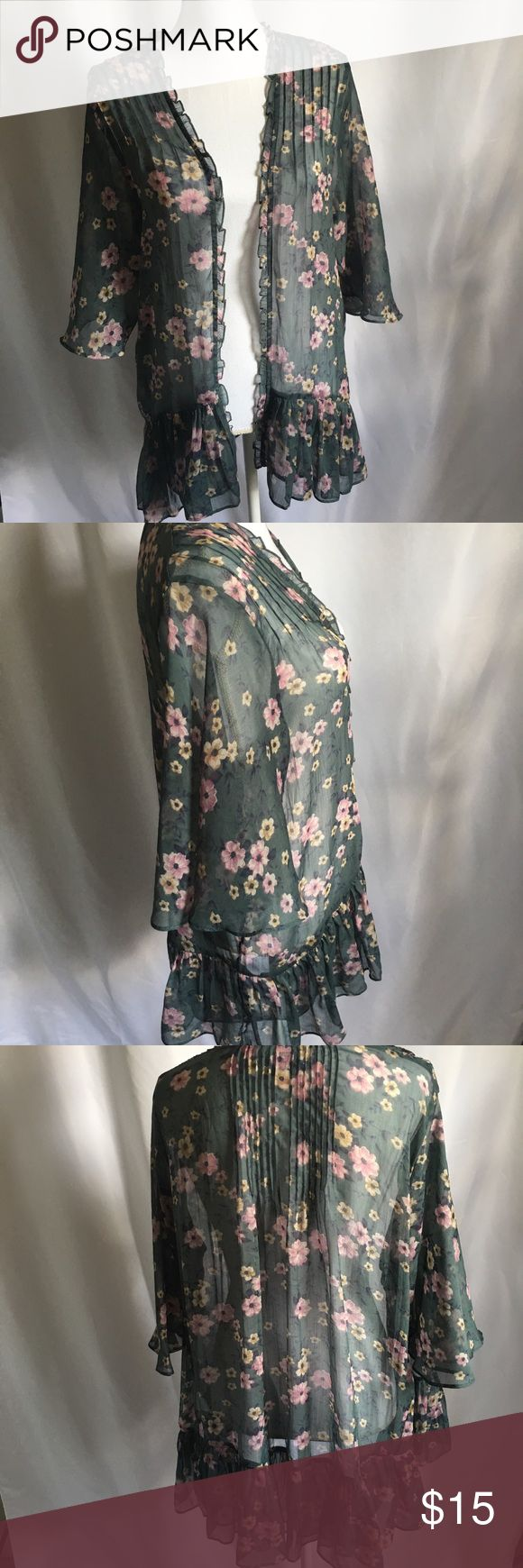 American Eagle Kimono Green Sheer Shaw Color: Green Floral   Size: XS/S   Measurements (approximate)   Armpit to armpit (laying flat): 26 in.   Length: 30 in.   Sleeve length: 17 in.    Condition: Great; No stains, holes, and little to no signs of wear American Eagle Outfitters Sweaters