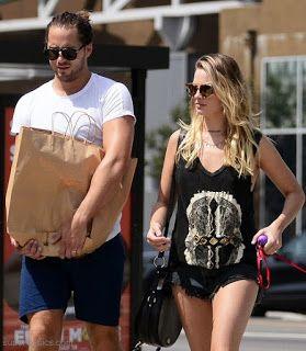 海外セレブスナップ | Celebrity Style: 【マーゴット・ロビー】愛犬を連れて旦那さんとショートパンツスタイルでショッピング!