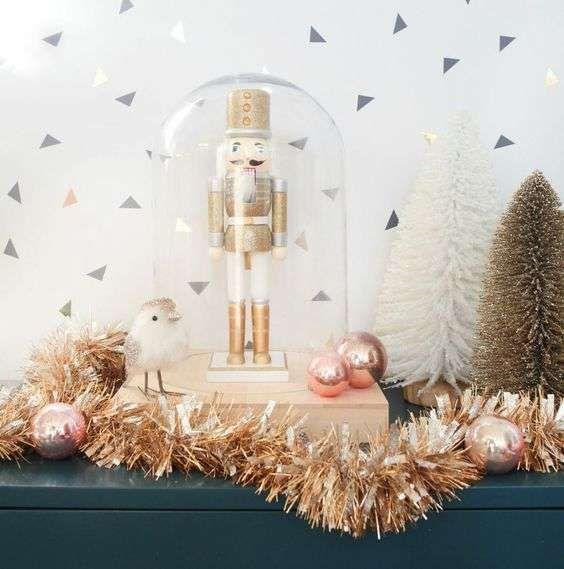 Natale, decorazione oro rosa - Decorazioni oro rosa con campana di vetro