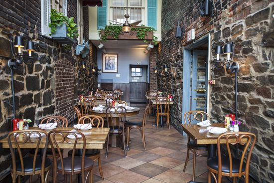 The Best Brunch Spots in Alexandria via visitalexandriava.com