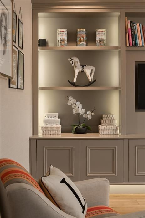 Bespoke cabinetry in Farrow and Ball's Charleston Gray No 243.