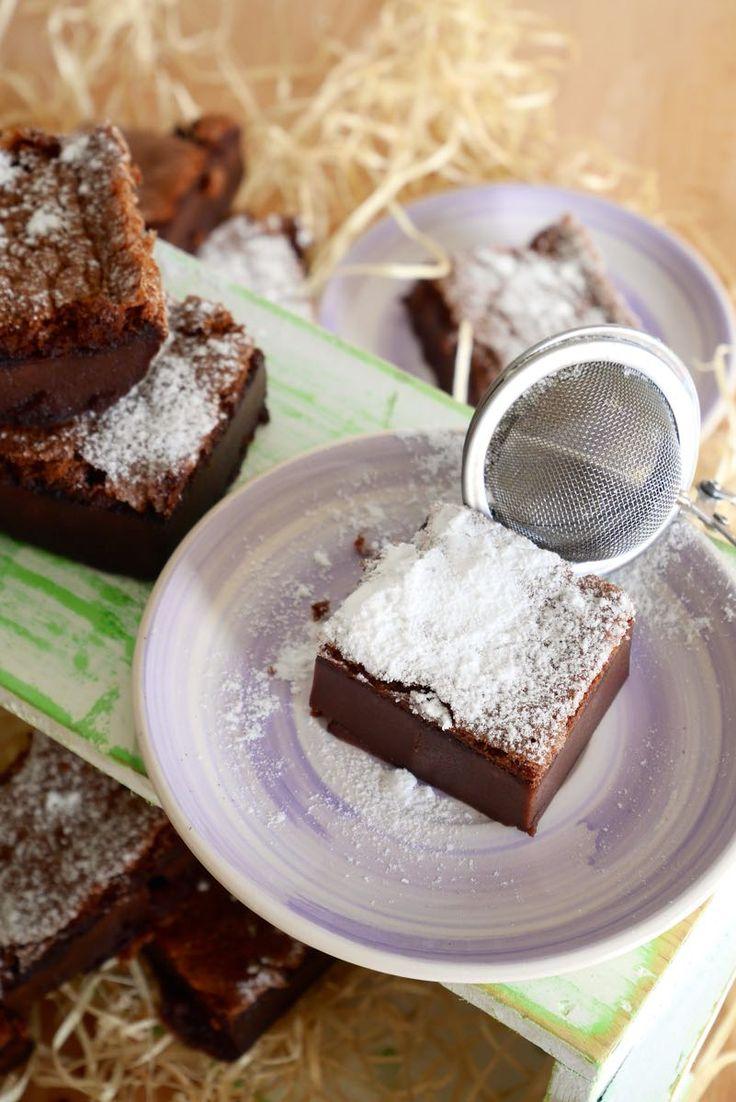 Magic cocoa cake