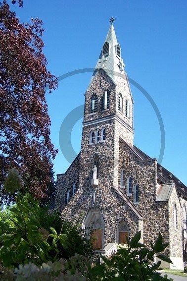 Carte postale de Saint-Bruno-de-Montarville, église   Christie Cartes $2 christiecartes.com