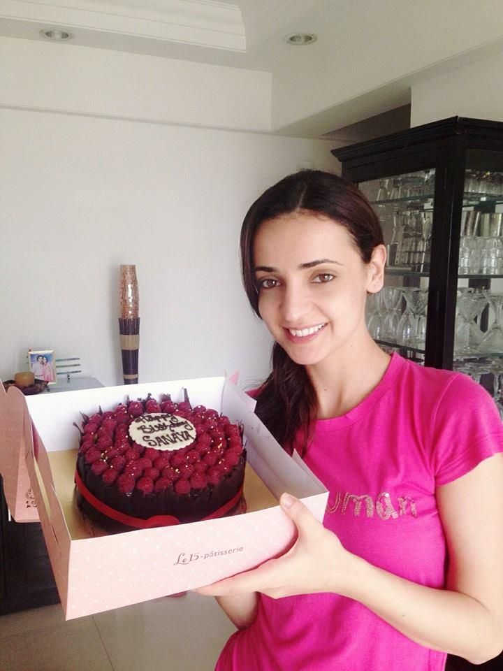 Jai: Thank you so much to all Arab fans. Sanaya was very touched & loved the cake and cards.. God bless you all..