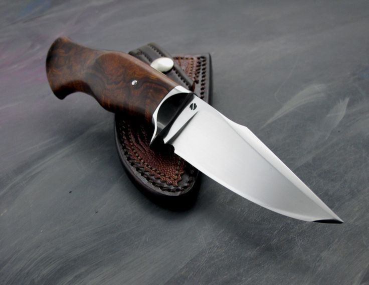 Nice blade and one piece handle