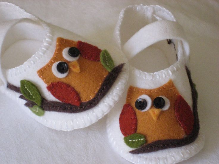 Felt Crafts Projects | Runs With Scissors: Felt Needs: Whooo Needs Shoes?
