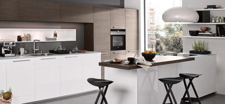 Moderne 2 zeilen küche nova lack arcticweiß und eiche tabak mit zenith marquardt küchen küche pinterest