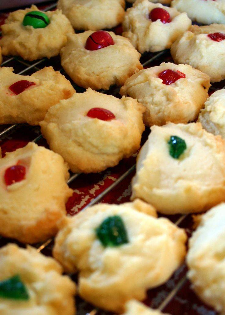 Melt-in-your-mouth shortbread cookies from very old recipe.
