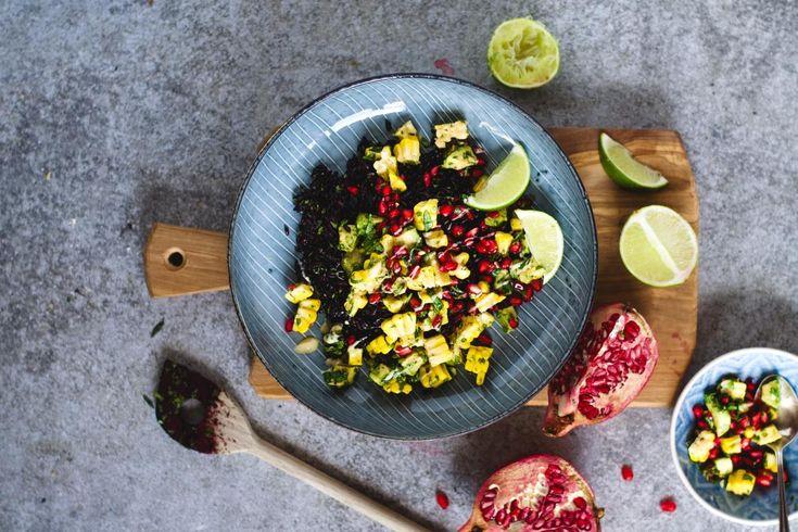 Koriander-Limetten-Reis mit Regenbogen-Salsa